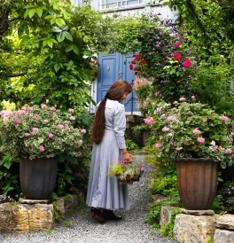 Cottage Garden Helen Fredholm med kurv2