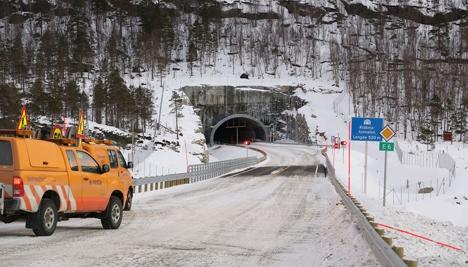 Ny bru over Femtvasselva deretter Kråkmotunnelen - like før åpning