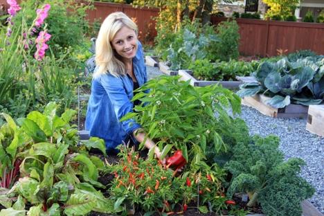 Kjøkkenhage grønnsaker kvinne_Fotolia_70059011_M