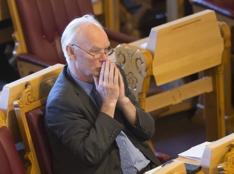 Senterpartiets Per Olaf Lundteigen under tirsdagens trontaledebatt i Stortinget.