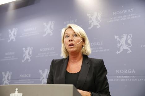 Næringsminister Monica Mæland kommenterte Statkraft-saken i Nærings- og fiskeridepartementet fredag.
