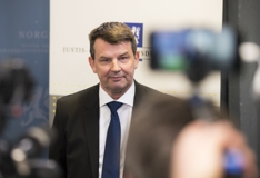 Tor Mikkel Wara ny justisminister