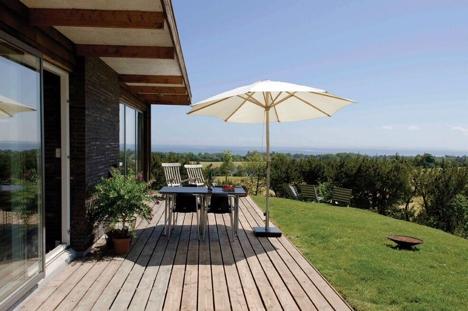Saga Wood svanemerket terrasseplank miljøbilde