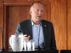 Harald V Nikolaisen