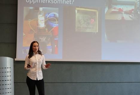 Ingeborg ledersamling_Elise Svang Jansen på podiet
